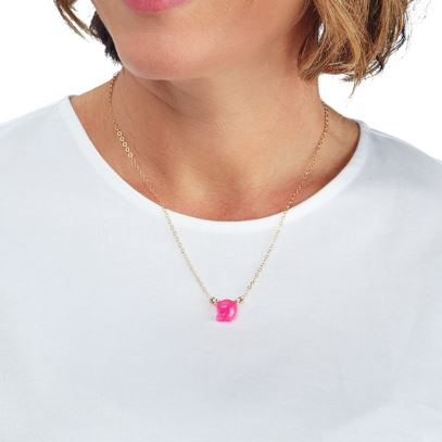 Lauren Single Letter Necklace Model with Hot Pink