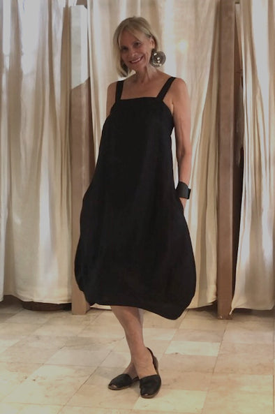 Tzusk black gather linen dress