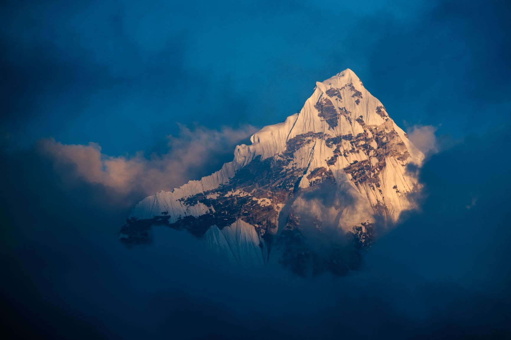Max Lowe Mountains Nepal