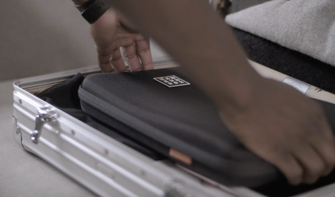 iamrunbox-travel-bag-how-to-pack-suitcase