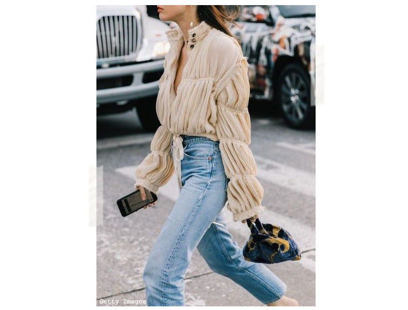 Top With Denim Jeans Street Style Outfits