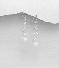 Art in Pearl Earrings