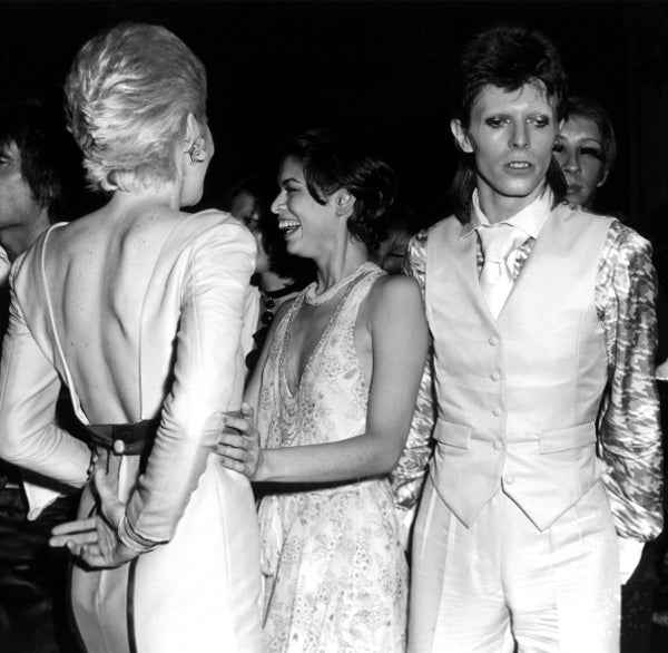 david_bowie_ziggy_stardust_starman_pop_music_icon_legend_bianca_jagger_angie_bowie_kidsofdada