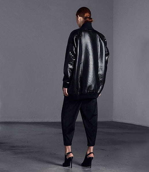 Arethè_Stockholm_bomber_jacket_clothing_under_300_polyester_black_oversized_ribbed_collar_urban_edgy_fashion_kidsofdada