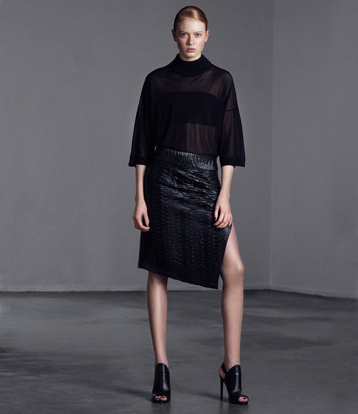 Arethè_Stockholm_skirt_clothing_under_150_ecofriendly_synthetic_leather_black_slit_back_zip_urban_fashion_kidsofdada