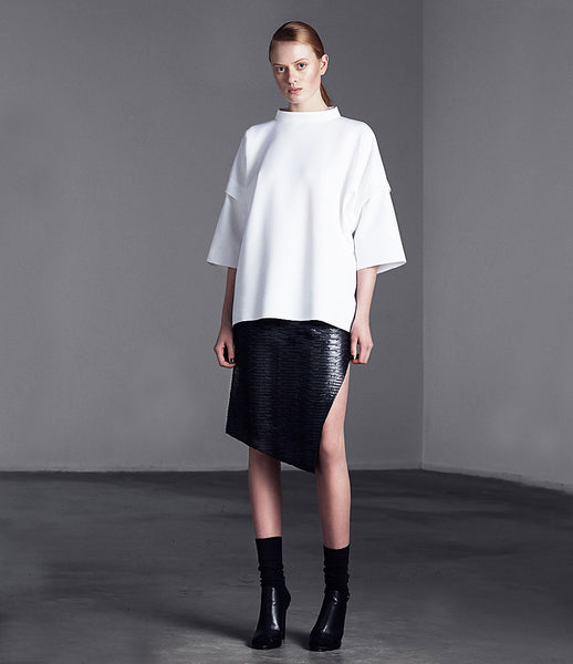 Arethè_Stockholm_sweatshirt_clothing_under_150_white_3/4_sleeves_urban_edgy_fashion_kidsofdada