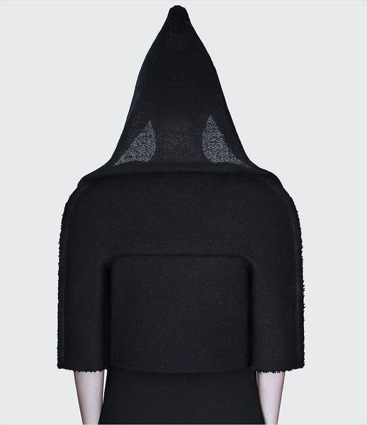 Dzhus_jacket_clothing_made_to_order_wool_black_boxy_3/4_sleeves_hood_hidden_zipper_structural_kidsofdada