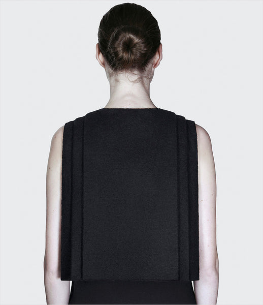 Dzhus_jacket_clothing_made_to_order_wool_black_sleeveless_velcro_fastener_geometric_folds_structural_fashion_kidsofdada