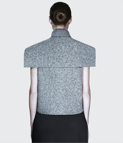 Dzhus_jacket_clothing_made_to_order_wool_gray_sleeveless_collar_architectonic_turnbacks_zipper_structural_fashion_kidsofdada