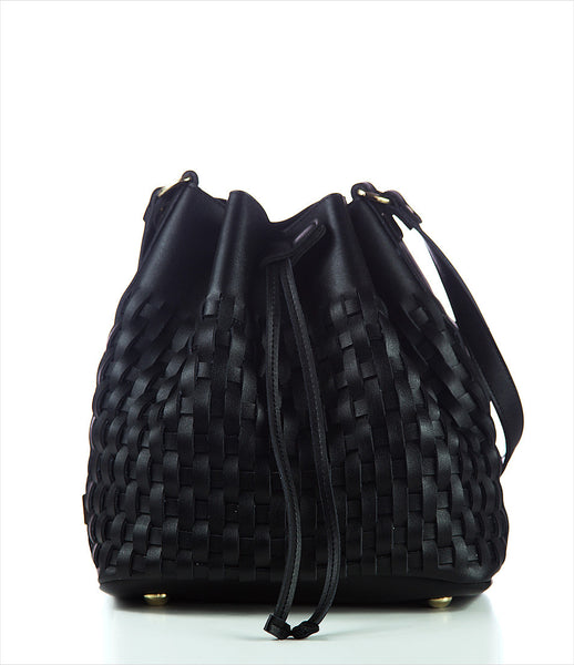 Elena_Athanasiou_shoulderbag_accessory_handmade_woven_recycled_leather_black_bucket_fashion_kidsofdada