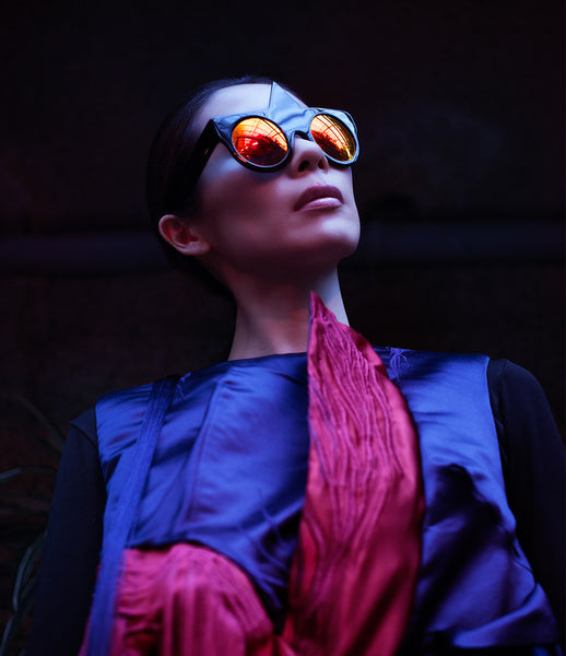 Fakoshima_sunglasses_accessory_under_300_Italian_acetate_black_red_geometric_shape_round_lenses_futuristic_fashion_kidsofdada