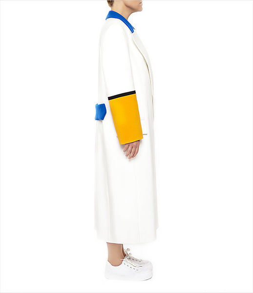 Marianna_Senchina_coat_clothing_handmade_polyester_white_yellow_blue_oversized_stripes_double_breasted_fashion_kidsofdada