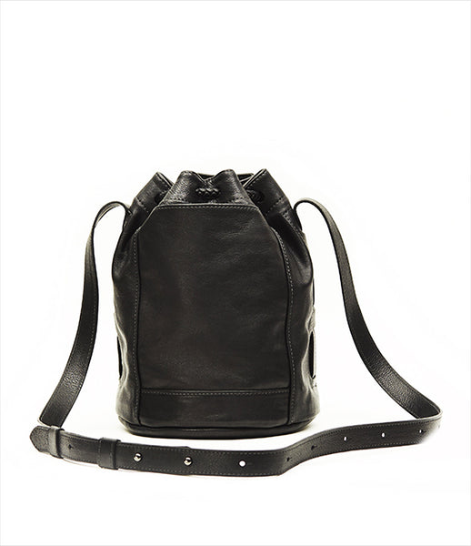 Moses_Nadel_shoulderbag_accessory_handmade_made_to_order_leather_black_bucket_braided_tassels_strap_urban_kidsofdada