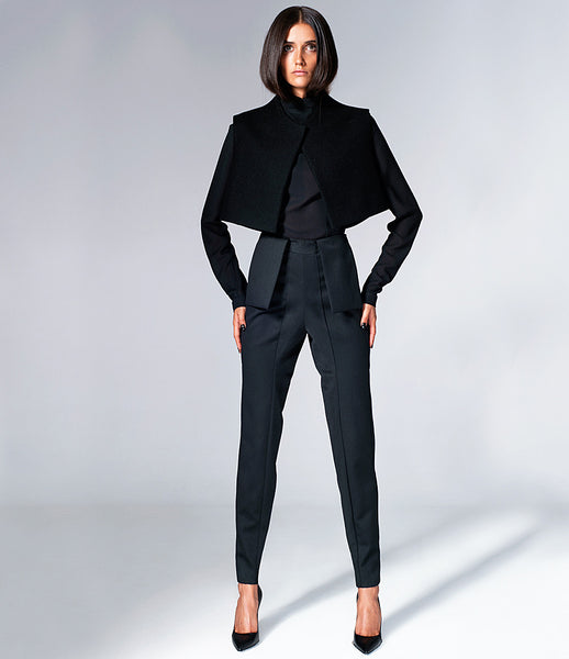 Serafin-Andrzejak_womenswear_tailored_pants_bespoke_trousers_black_workwear_sophisticated_wool_essential_kidsofdada