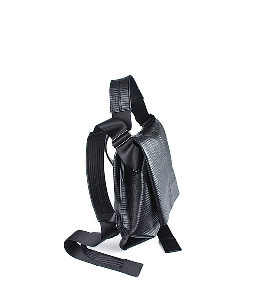The-Transcience_petite_Handbag_backpack_front_angle_black_zipper_fashion_KOD_kids-of-dada_kidsofdada.jpg