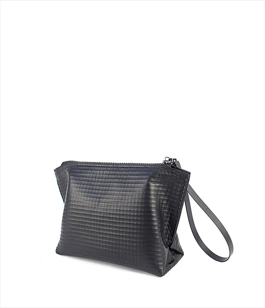 The-Transcience_small_bag_purse_structured_everyday_essential_black_front_magnetic_zipper_fashion_KOD_kidsofdada.jpg