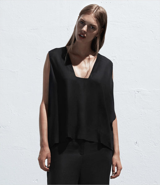 Arethé-Stockholm_blue_black_tank_top_shirt_sleeveless_flowy_dropped_hemline_square-neck_casual_105_fashion_womens_kidosfdada