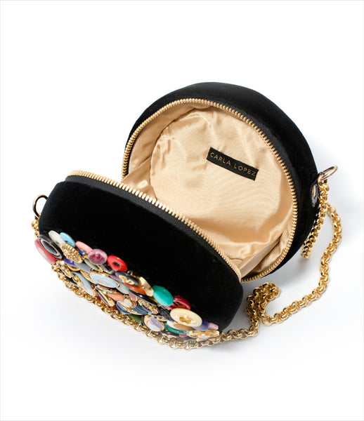 Carla_Lopez_circular_round_shoulderbag_accessory_handmade_velvet_multicolored_vintagebuttons_long_gold_chain_whimsical_fashion_kidsofdada