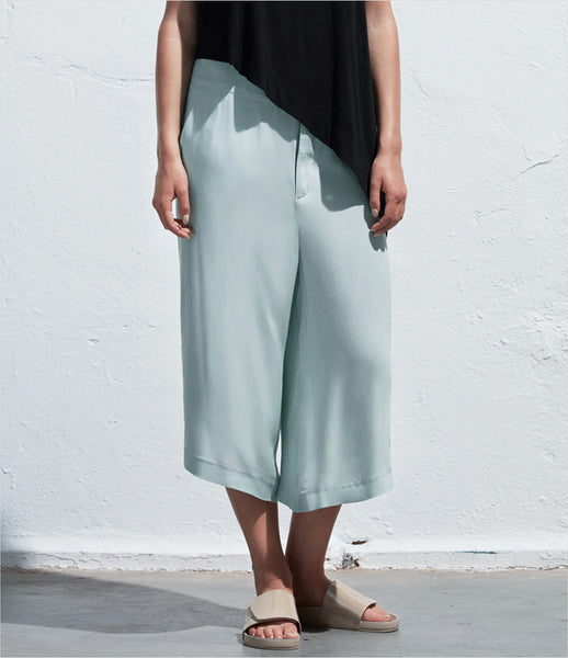 Arethé-Stockholm_blue_aqua_black_wide-leg_loose_flowy_pants_culottes_130_COS_fashion_womens_kidsofdada