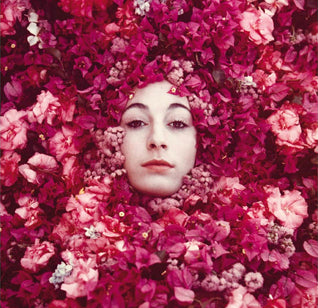 ANJELICA HUSTON: THE UNSUNG STYLE ICON OF THE 70'S