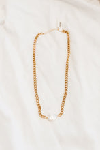 Load image into Gallery viewer, Red Pom Beanie