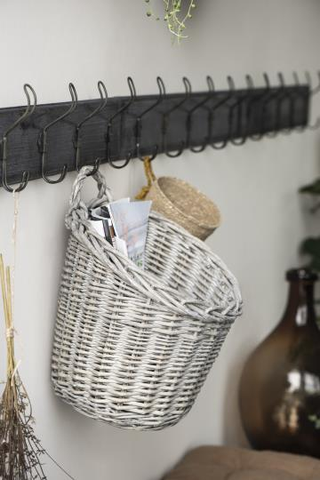 Wall-hung Willow Basket