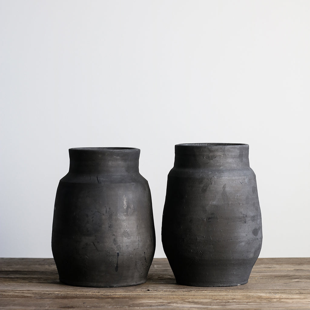 BADAN Black Clay Pot / Vase