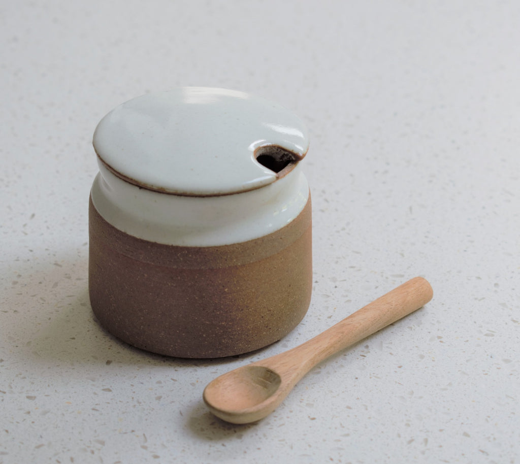 Ceramic Sugar Pot with Spoon in White