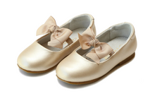 Load image into Gallery viewer, Pauline Special Occasion Bow Flat