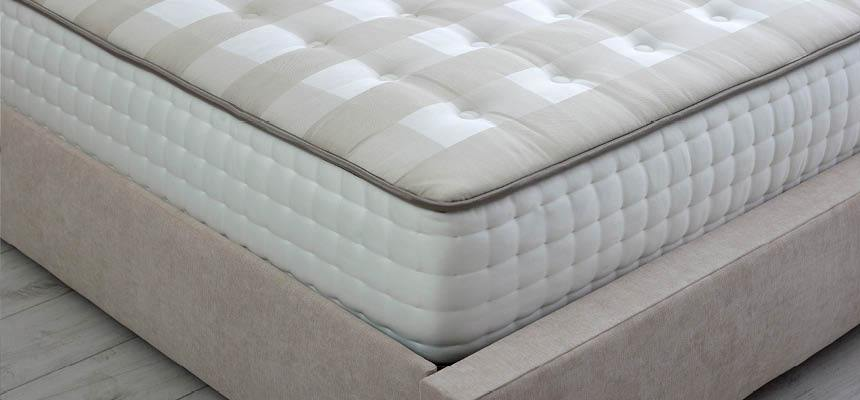 25cm Luxury quilted Memory Foam Mattress - Double