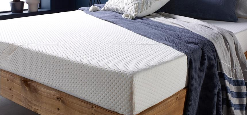 Coolmax Deluxe 1000 Pocket Sprung Memory Foam Mattress - Memory Foam Warehouse