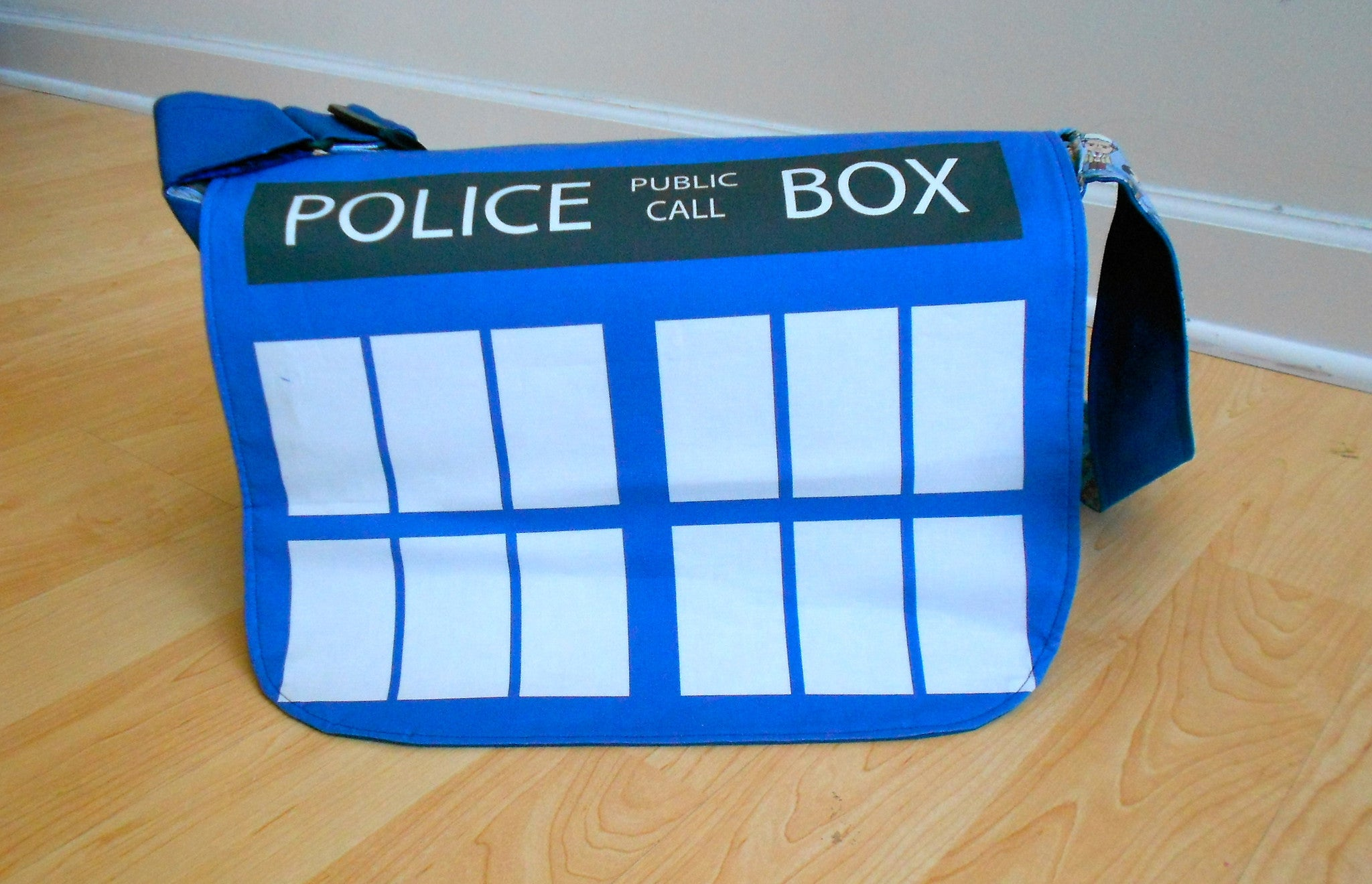 TARDIS Geek Elite Bag