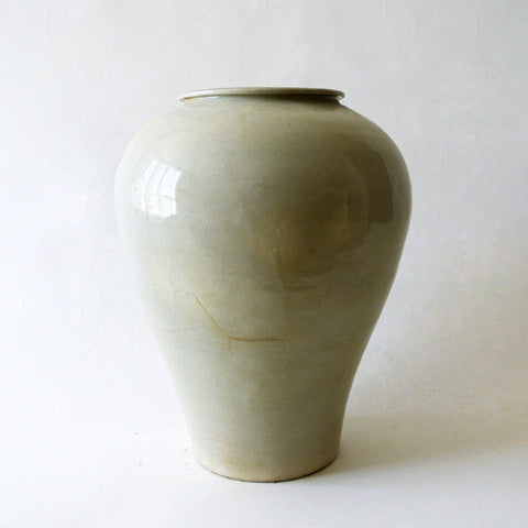 Chosun White Porcelain Jar with Rolled Rim