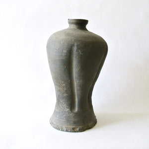 Ash-Glazed Maebyong Vase with Five Lobes from Shilla Dynasty