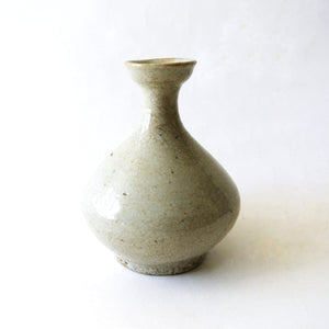 White Porcelain Bottle from Chosun Dynasty