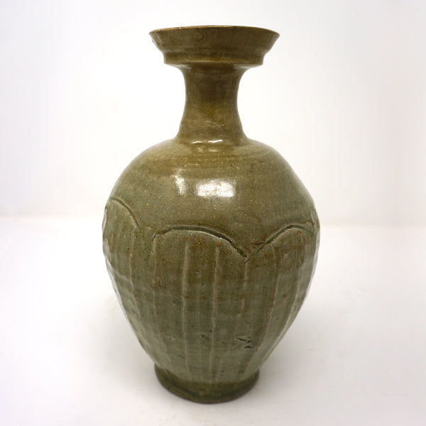Celadon Bottle with Cup-Mouth Shape from Koryo Dynasty