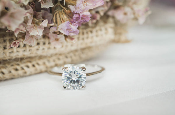 When to Take Off an Engagement Ring: 8 Times When You Shouldn't Wear a Ring