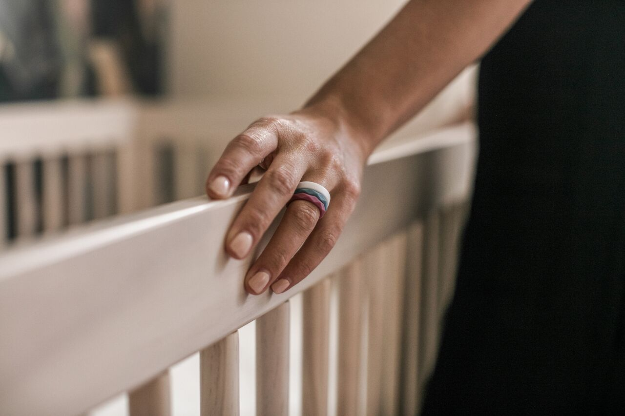 Jewelry During Pregnancy & Why Silicone Rings May Be The Solution – QALO