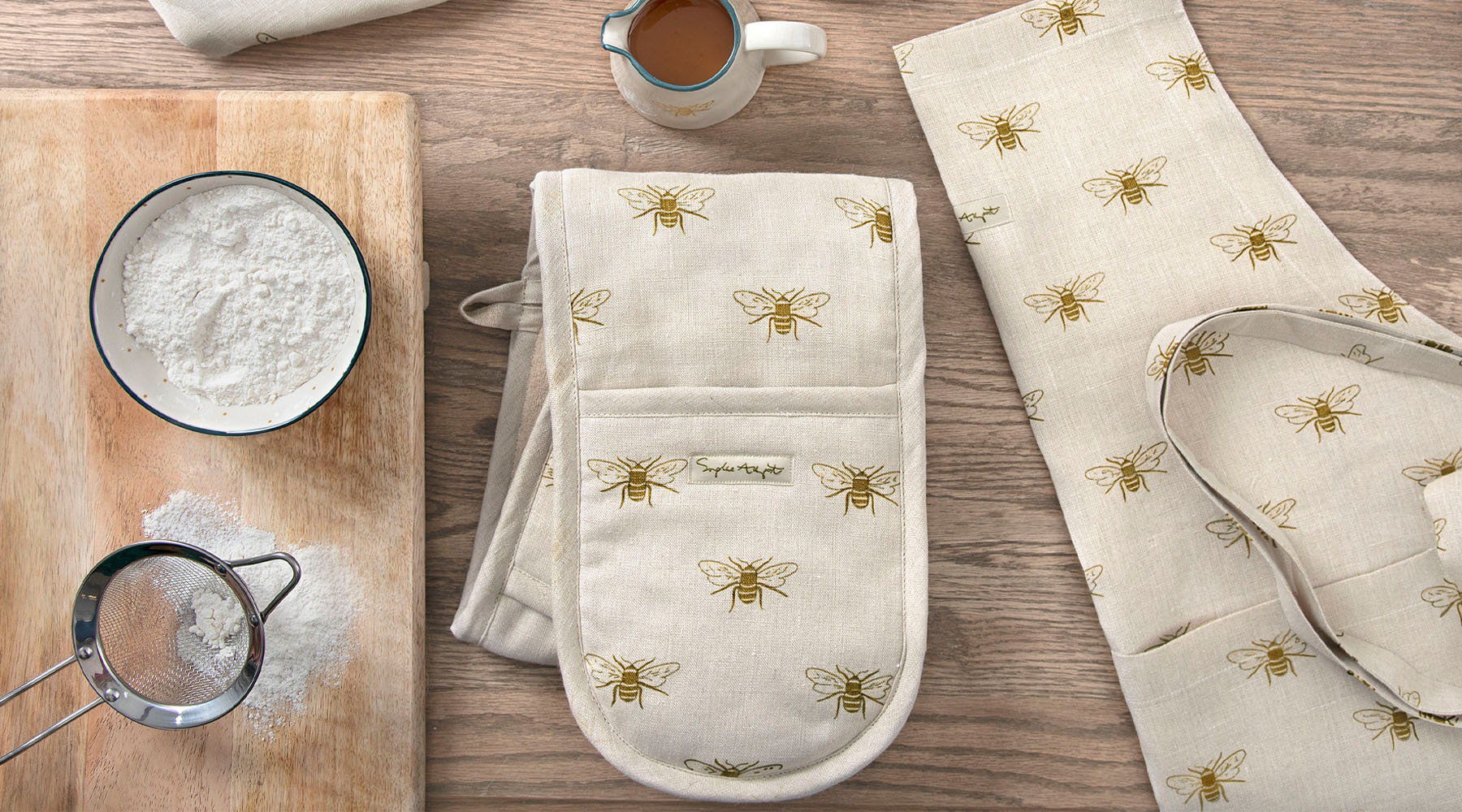 Double Oven Gloves by Sophie Allport