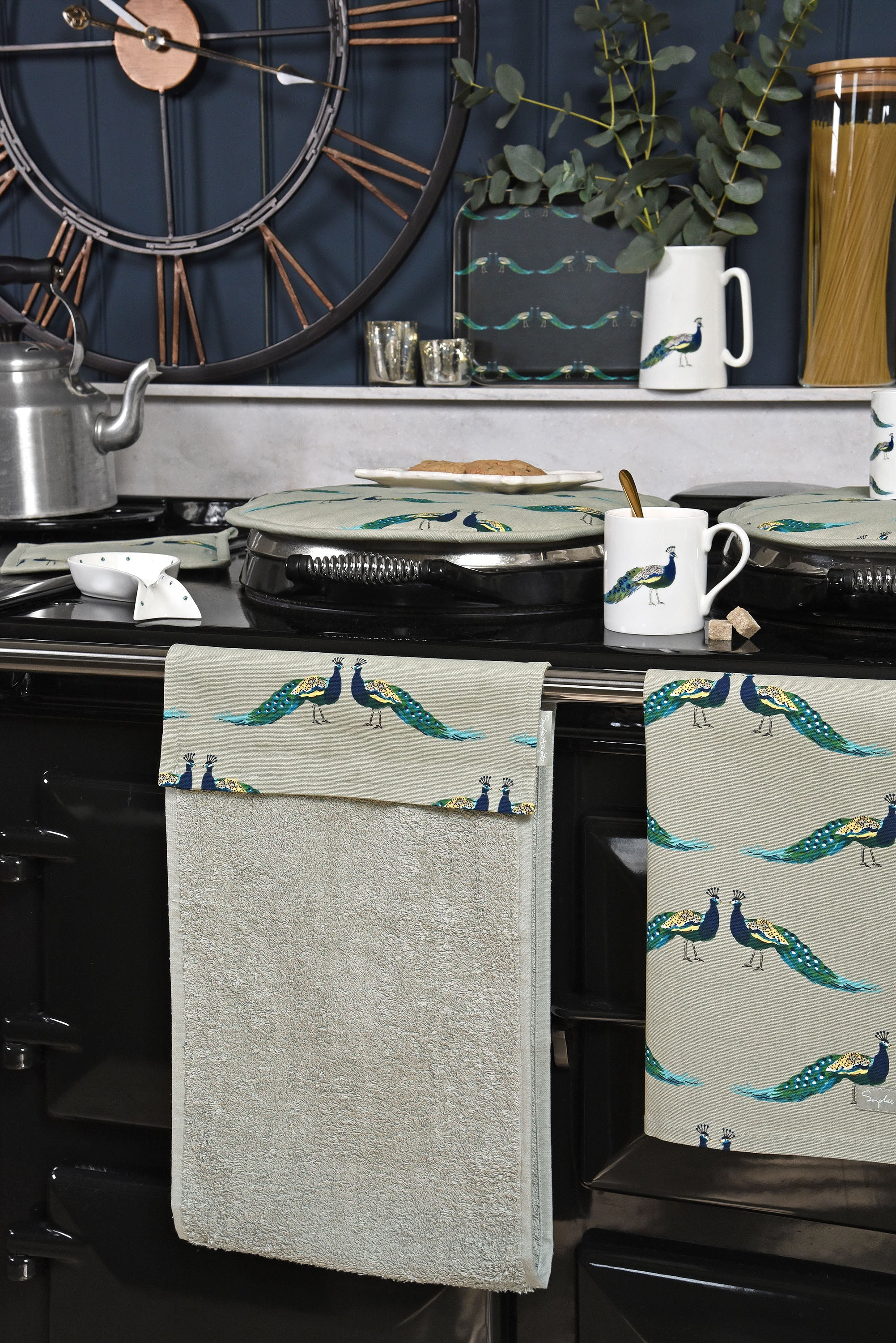 Peacock tea towel Sophie Allport