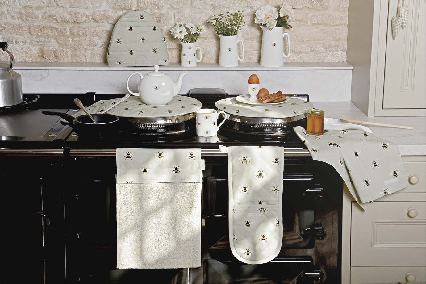 Bees Double Oven Gloves by Sophie Allport