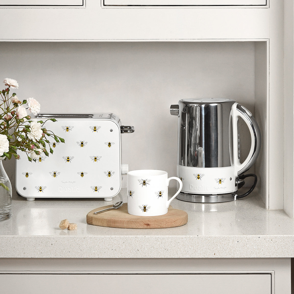 Sophie Allport Bees Toaster and Kettle