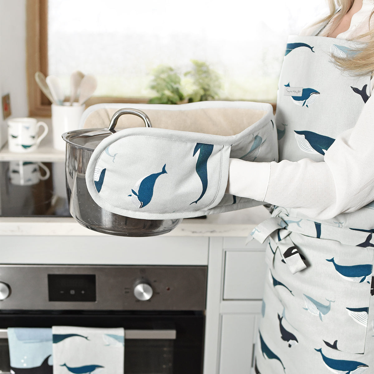 Whales Double Oven Glove by Sophie Allport