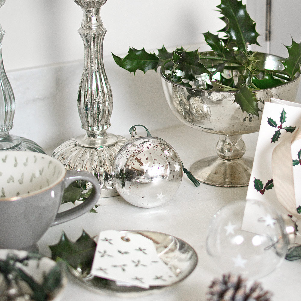 Antiqued Silver Frosted Star Baubles