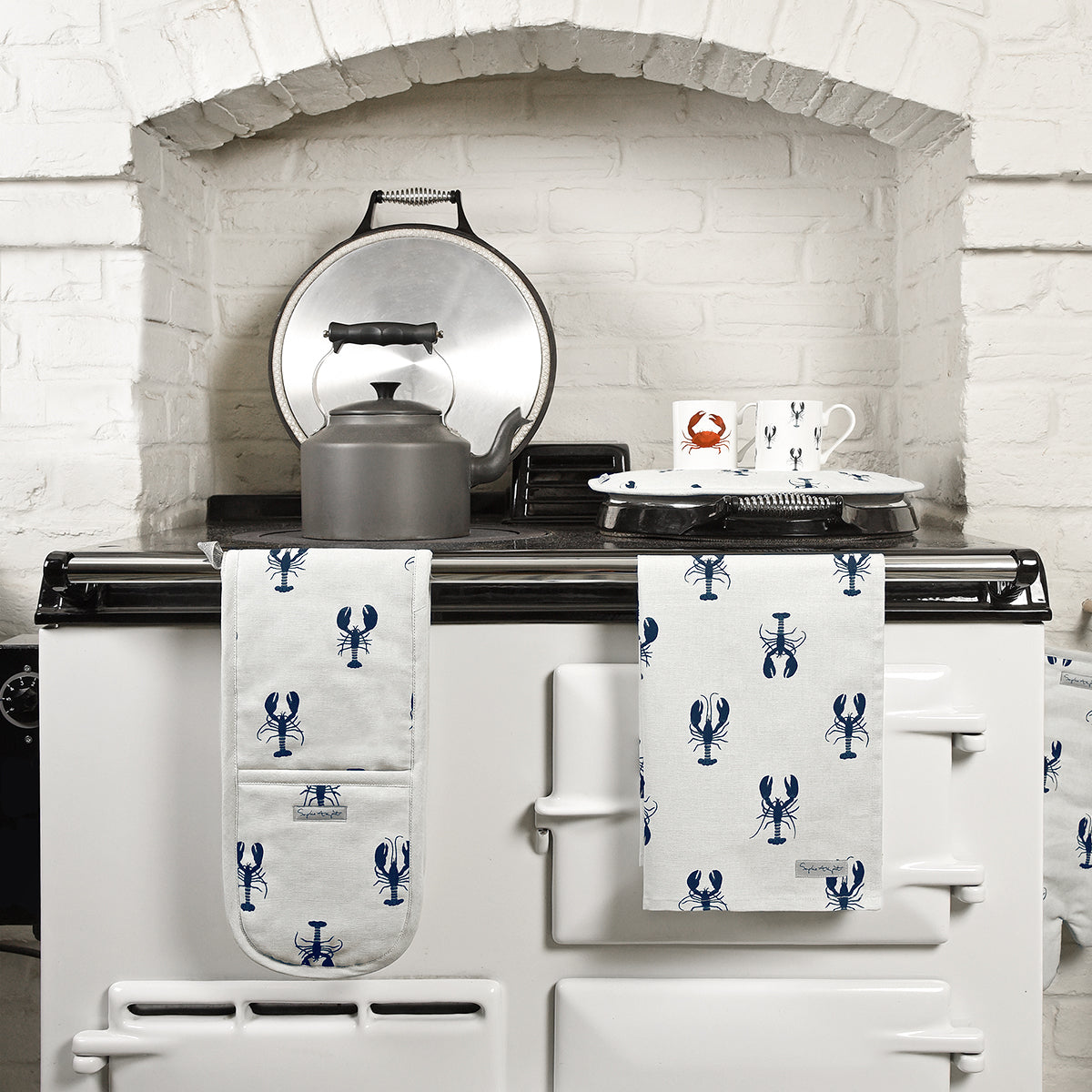 Sophie Allport Lobster Circular Hob Cover for AGA