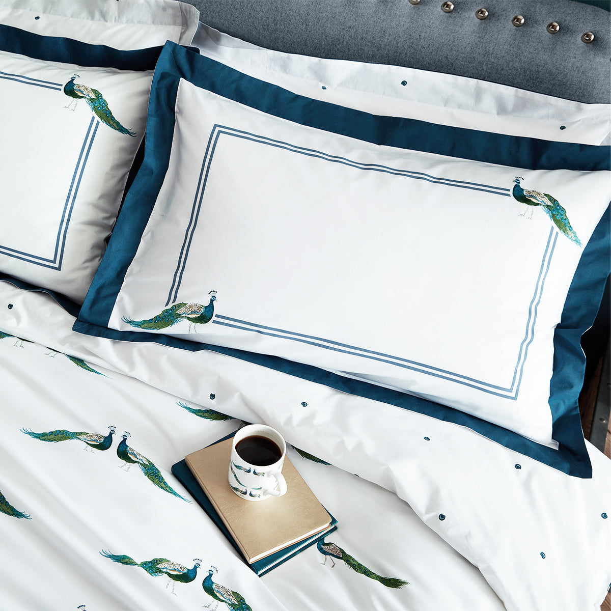 Peacocks Pair of Oxford Pillowcases