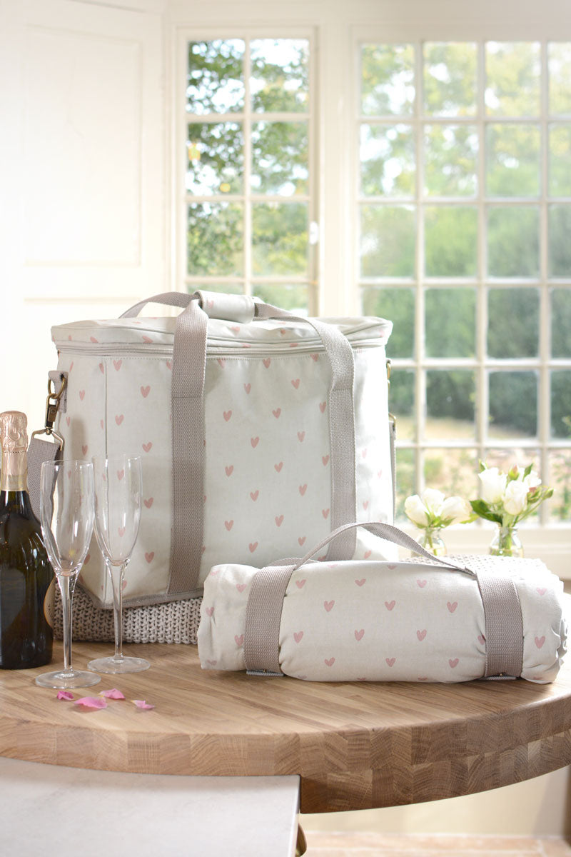 Hearts Oilcloth Picnic Bag