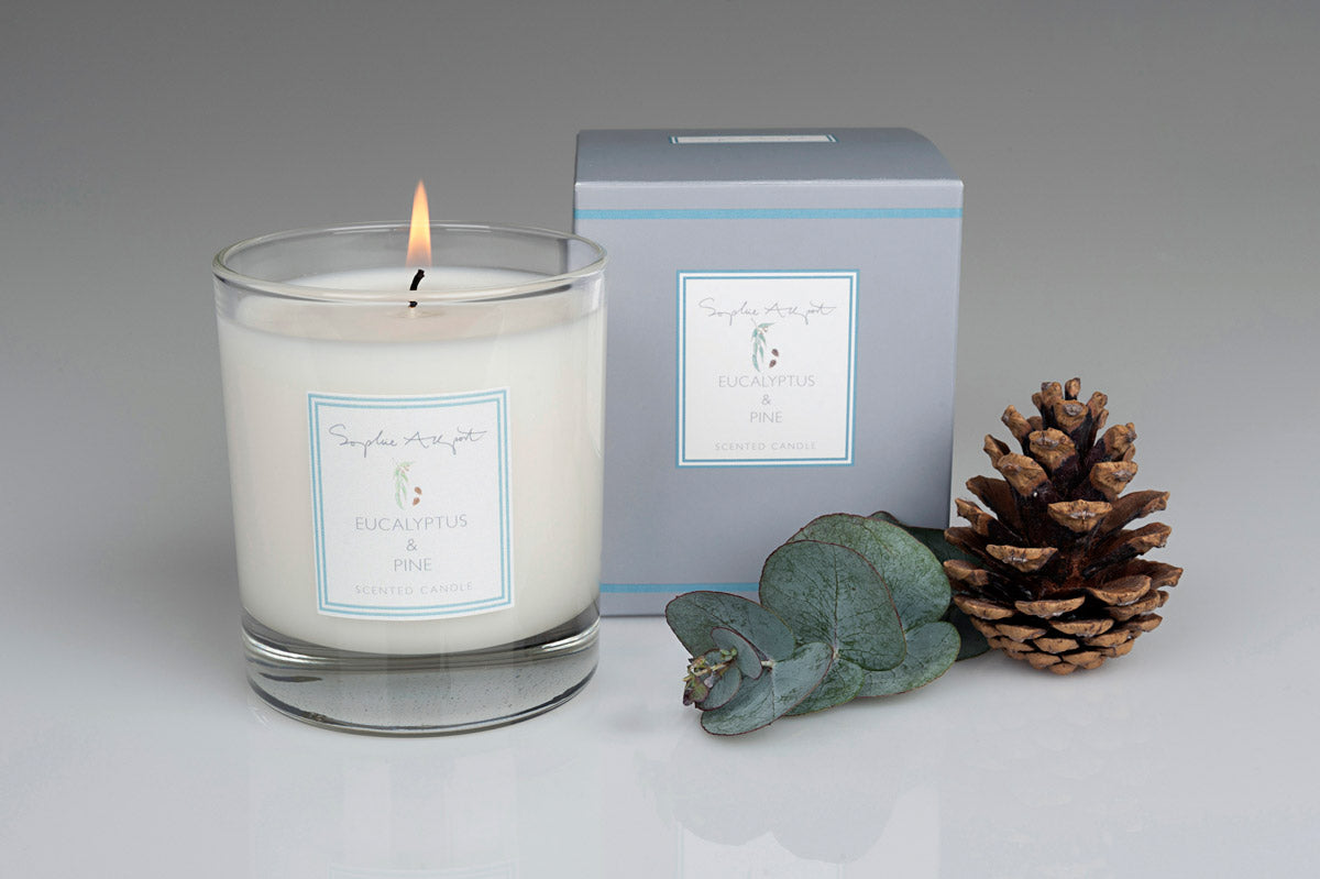 Eucalyptus & Pine Scented Candle -220g
