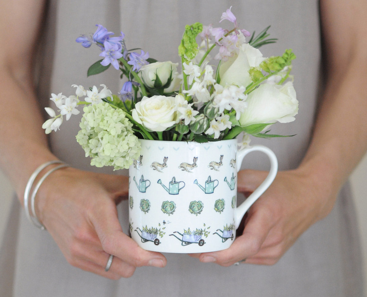 Fine bone china mugs and porcelain coffee cups