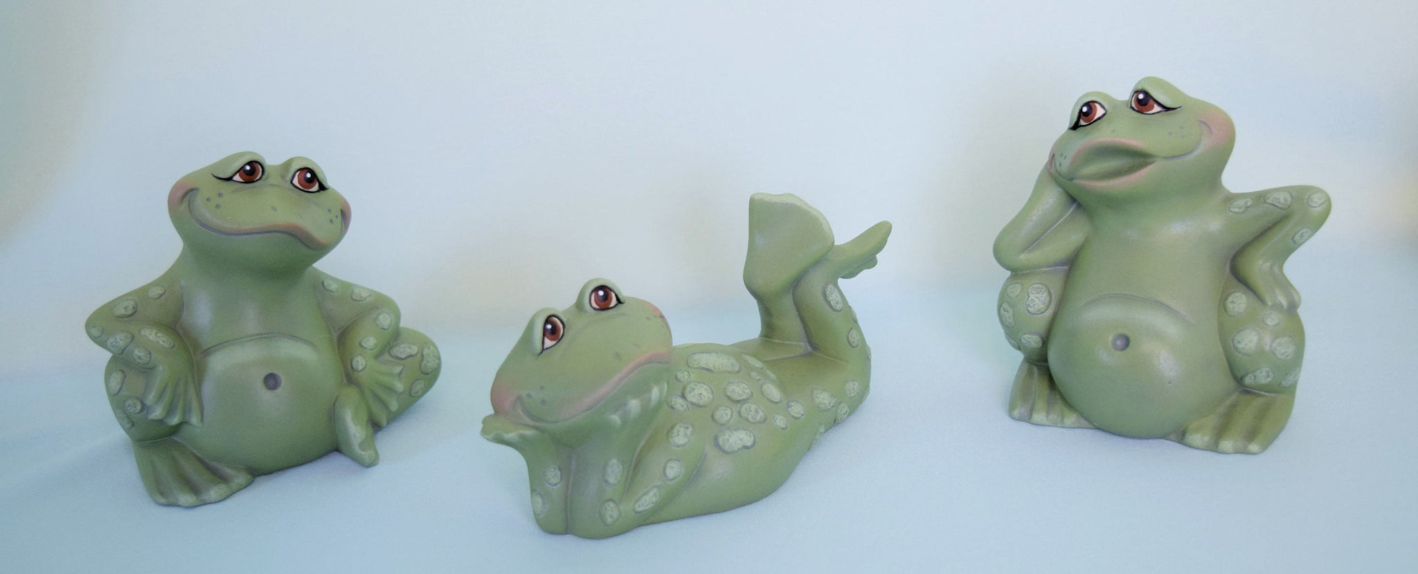 3 Ceramic Frogs